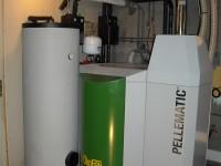 Chaudière bois granulés OKOFEN 23kW pour chauffage central. Moulis (09).