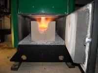 Flamme inversée d'une chaudière bois bûches ORLAN 40kW. Saverdun (09).