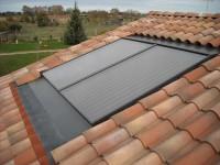 Capteurs solaires SONNENKRAFT installés en intégration de toiture.  Peyssies (31)