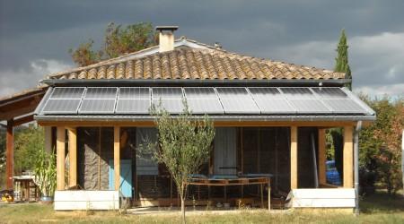 Installation photovoltaïque de 3kWc, modules SCHOTT Solar, onduleur INGETEAM. Intégration sur mesure. Frouzins (31)