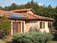 Installation photovoltaïque de 3kWc, modules SANYO, onduleur SMA. Installation en escaliers. Sainte-Foy-Peyrolières (31)