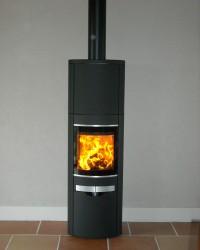 Poêle à bois SCAN 58 de 6kW + création de conduit de fumées double paroi isolé. Eoux (31)