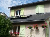 Capteur solaire WAGNER & Co installé en surimposition de toiture ardoise. La Primaube (12)