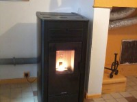 Poêle à granulés de bois 15kW JOLLY MEC ARTE à distribution d'air chaud + tubage de conduit de fumées . Montesquieu-Volvestre (31)