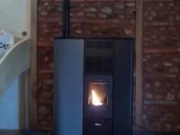 Poêle à granulés de bois 8kW FONTE FLAMME REFLET+ tubage de conduit de fumées . Montesquieu-Volvestre (31)