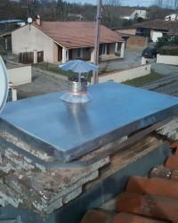 Conduit de fumées par tubage en flexible inox pour poêle à bois. Bérat (09).