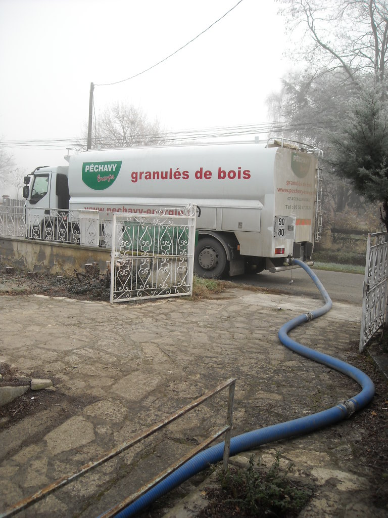 Comment trouver un distributeur de granulés de bois en Haute Garonne ? Soleneo # Bois De Chauffage Haute Garonne