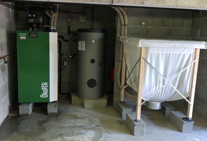 Chaudière à pellets Pellematic Compact installée à Peyssies par Solénéo