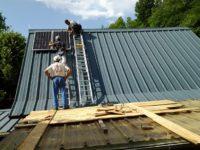 Installation de 2 panneaux de 200Wc pour une grange rénovée à Bethmale (09)