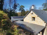 Installation de 1.8kWc pour un site isolé à Oust en Ariège.